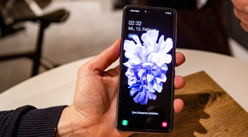 Harga Samsung Galaxy Z Flip (Android Pit)