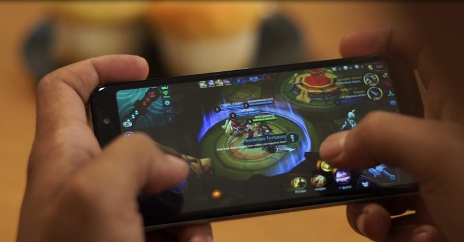 Main game Mobile Legend di HP RAM 1GB (TekID)