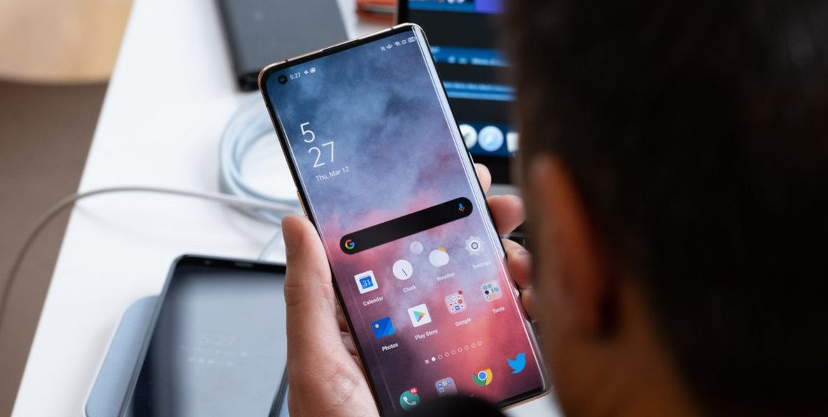 Spesifikasi Oppo Find X2 Pro (Android Authority)