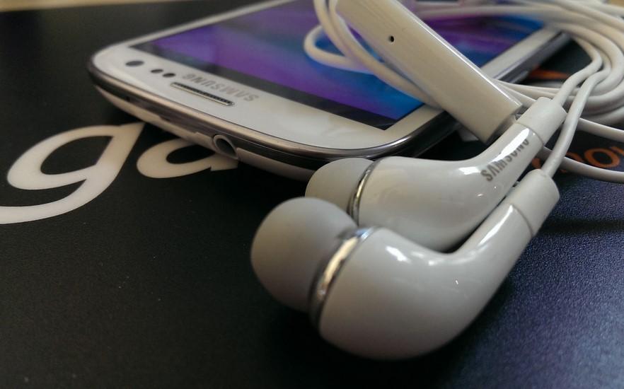 cara menghilangkan tanda earphone pada hp ketika sudah dicabut (UnlockUnit)