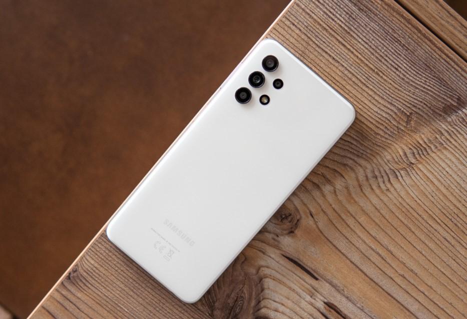 Kelebihan dan kekurangan Samsung Galaxy A32 5G (PhoneArena)