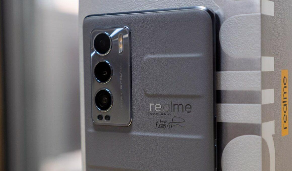 Kelebihan dan kekurangan Realme GT Master Edition (Slashgear)