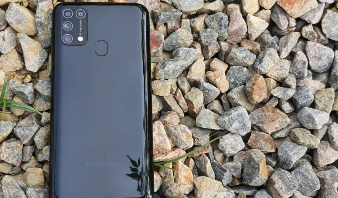 Kelebihan dan kekurangan Samsung Galaxy M31 (Smartprix)